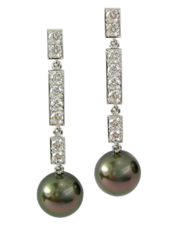 Tahitian pearl and diamond drop earrings with flexible links to allow the earrings to dance.